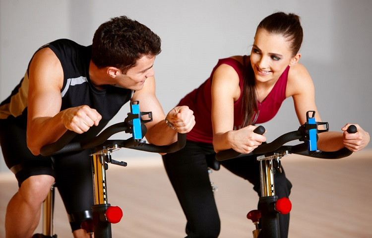 fit couple caycling